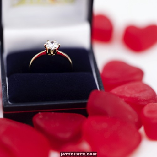 my-engagement-ring-in-box-wallpaper-which-clich---valentines-day-gifts-actually-work--purple-heart-image