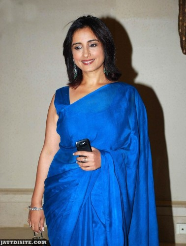 Divya-Dutt-a-Looking-At-Someone